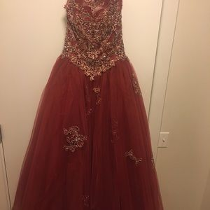 Quinceanera / Prom dress / Ball gown (New)